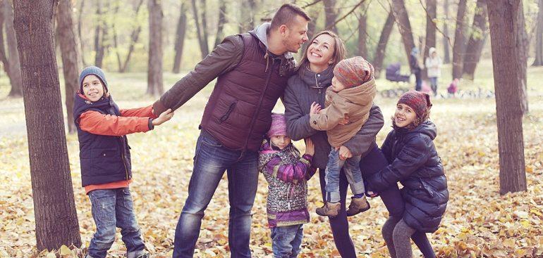 В восьми регионах будут работать советы по многодетным семьям