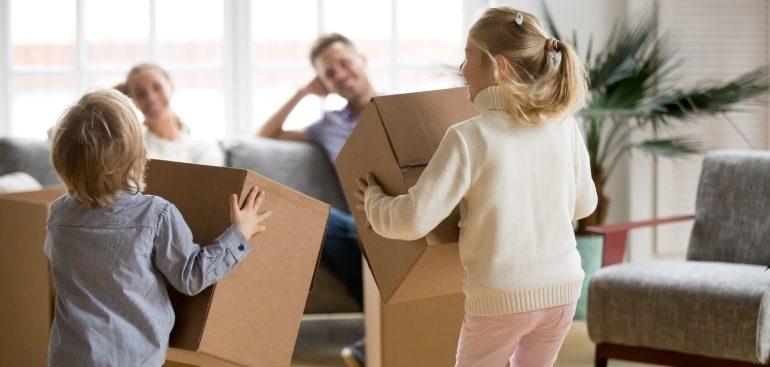 Молодые семьи с двумя детьми быстрее получат соцвыплаты на покупку квартир